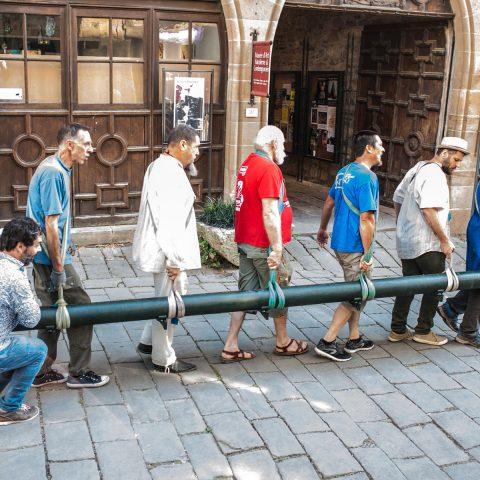 Transport traditionnel tubes chariots métier à broder départ